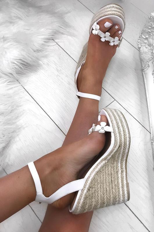 FARRAH White Daisy Espadrille Wedges