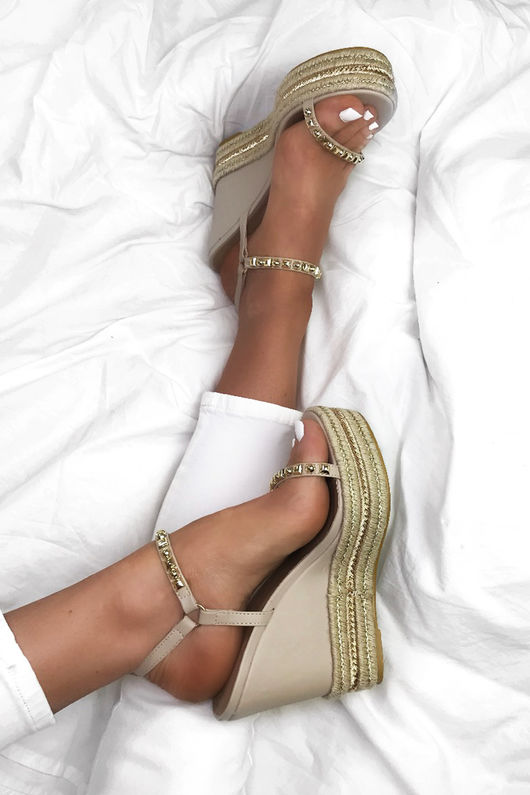 SASHA Nude Stud Wedges With Gold Detail