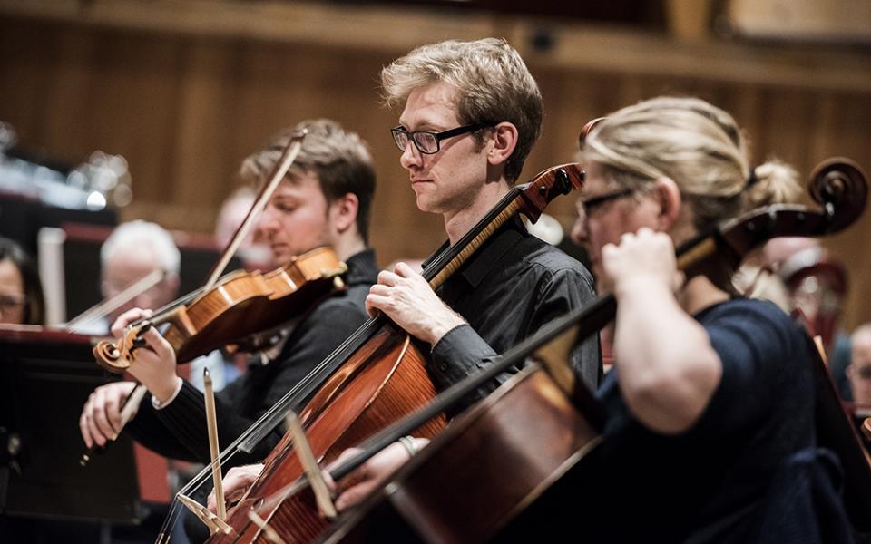 Philharmonia cellos rehearsing