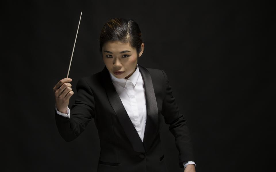 Photo of conductor Elim Chan