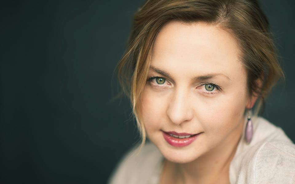 Photo of conductor Holly Mathieson