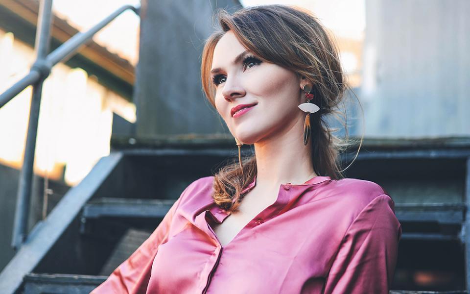 Photo of mezzo soprano Marta Fontanals-Simmons