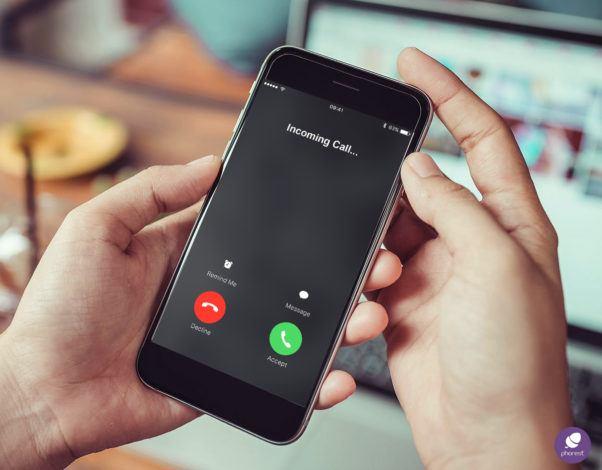 puhelinvastaajaa kampaamossa