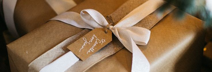 7 Simple Christmas Retail Gift-Wrapping Ideas For Salons | Phorest