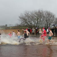 25-Christmas-Day-Swim-2011-049