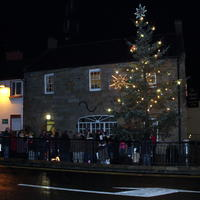 Lighting-the-Christmas-Tree-062