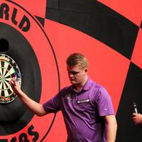051-Darts in Hull 093