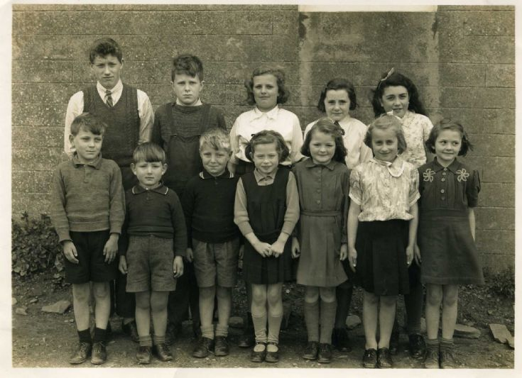 Holm East School Pupils 1945