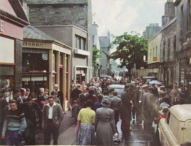 A very busy Albert Street