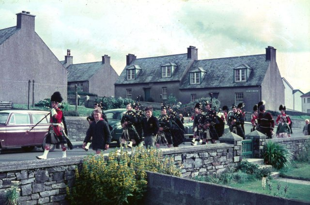 Pipe band on Earl Thorfinn Street