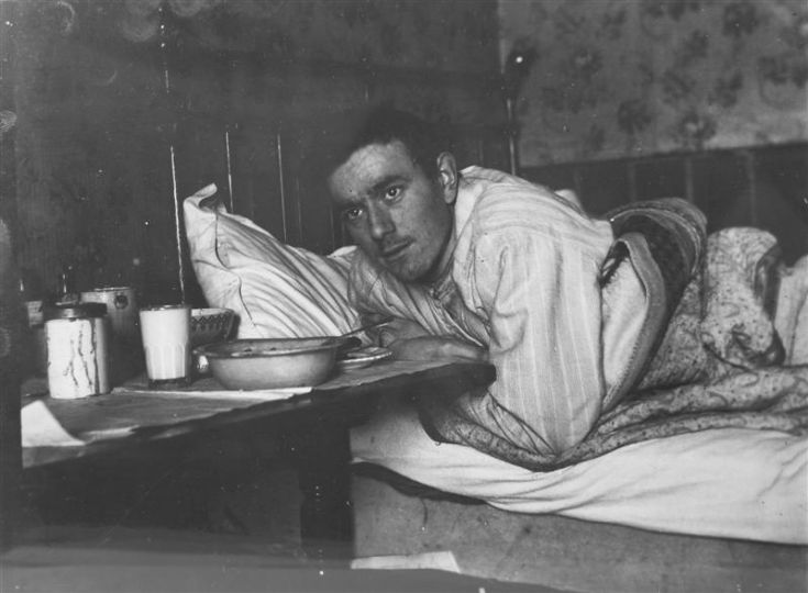 Bed 1910 style