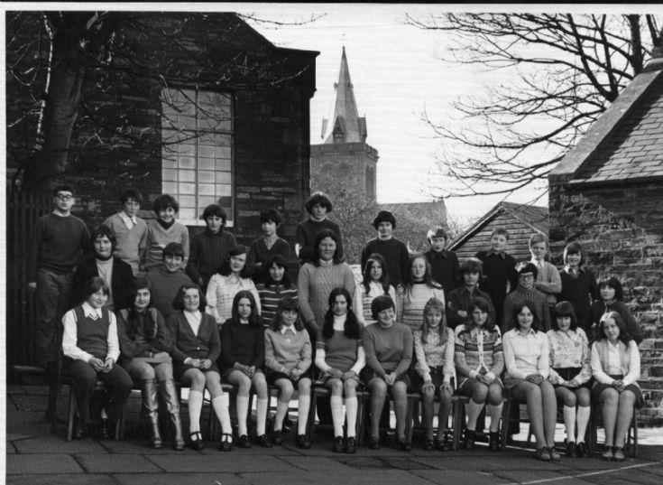 Kirkwall Grammar School Class 2G 1974