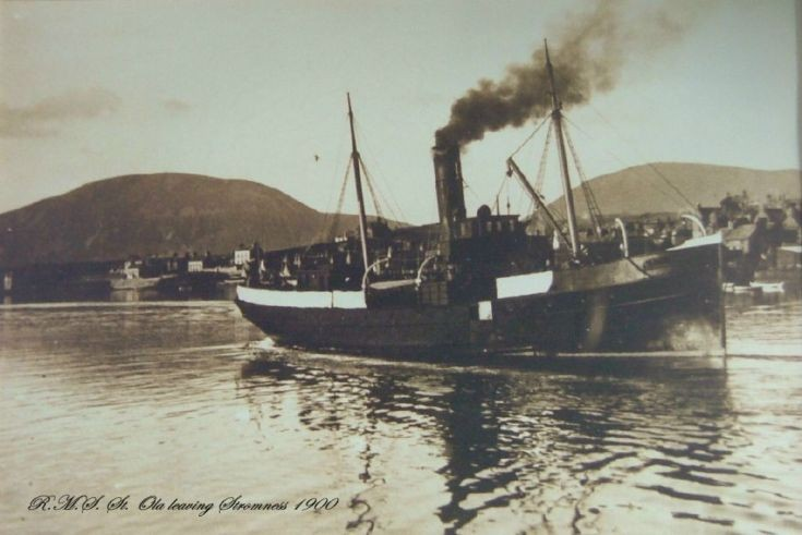 RMS St Ola leaving Stromness