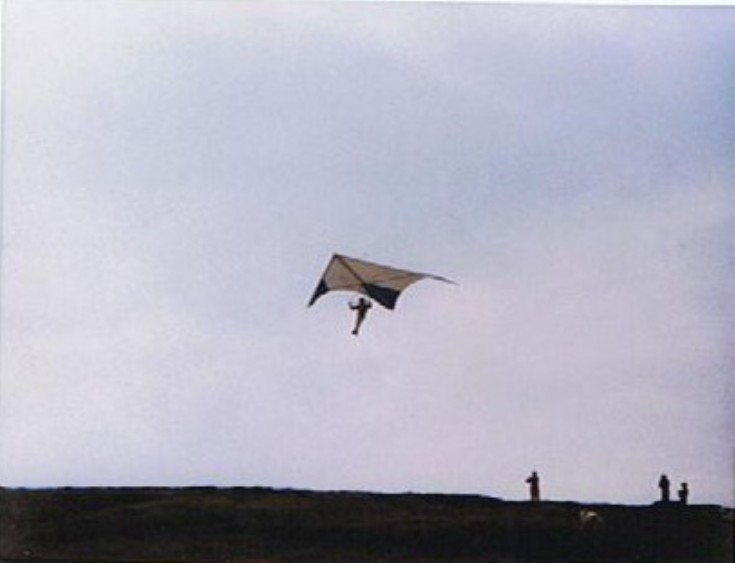 Hang gliding on Wideford Hill
