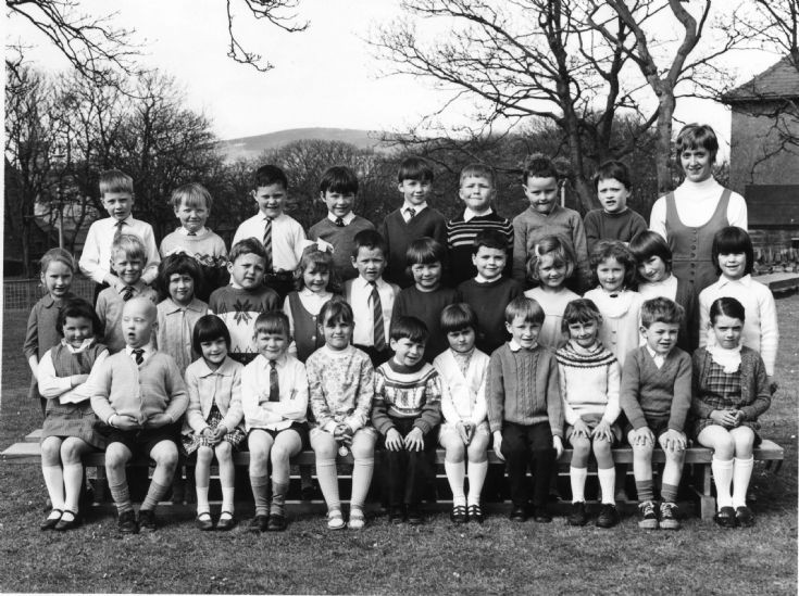 Papdale Primary 1 or 2S: c 1970
