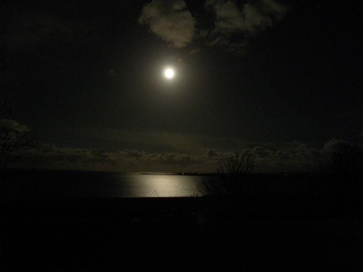 Full moon on Hogmanay