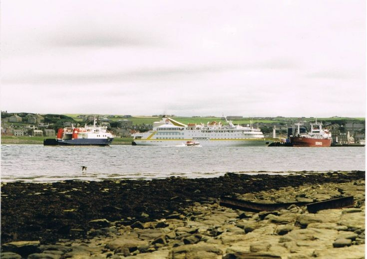 Busy Saturday at Kirkwall Pier approximately 1998