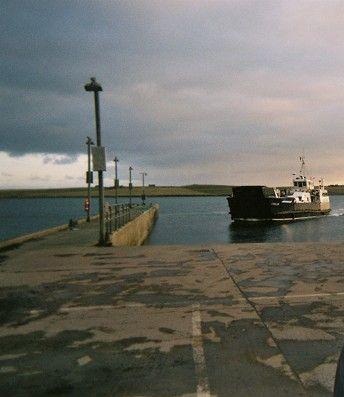 Eynhallow coming into Rousay pier