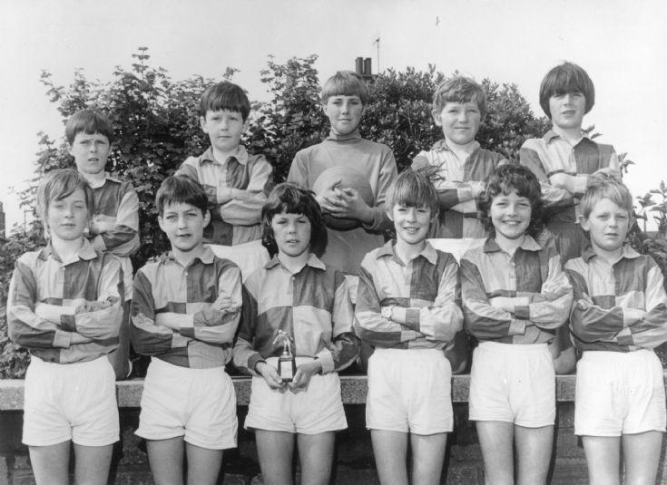 7 Einar football team 1971