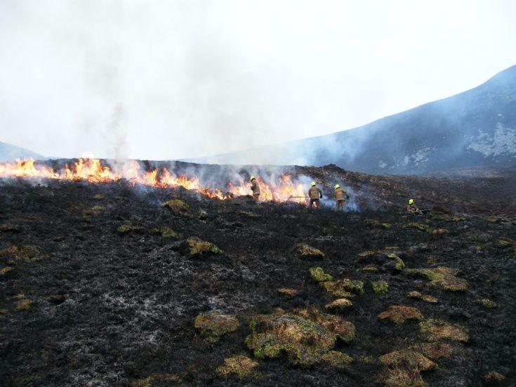 Heath fire in Hoy 2
