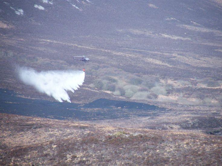Heath fire in Hoy 7