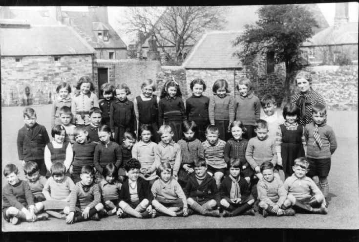 Kirkwall school group 1940ish