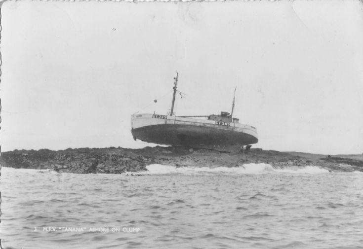 MFV Tanana ashore on Clump
