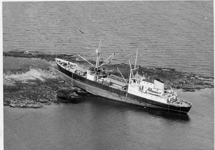 Rognvald ashore on Thievesholm 1973