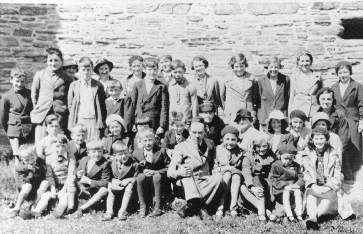 Robert Rendall et al. at Noltland Castle