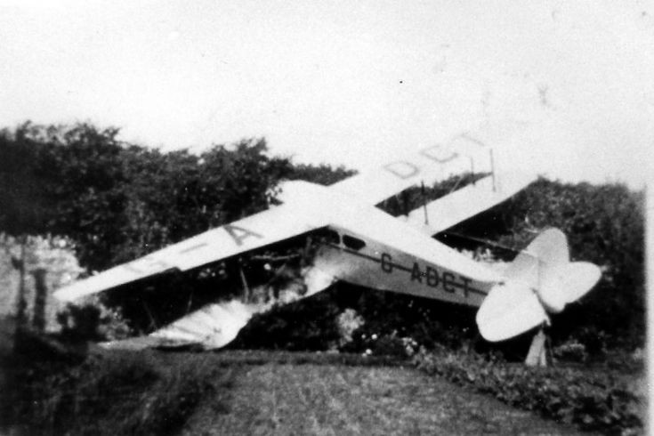 DH Rapide crashed in Westness Garden