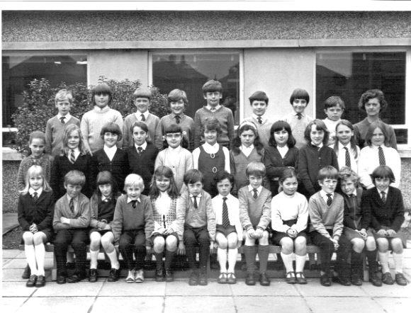 Papdale Primary School Class 5E 1972-73