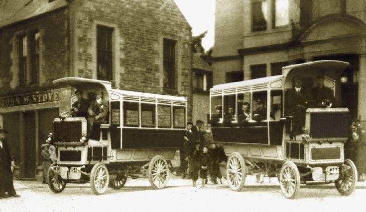 Mackay's omnibuses outside Stromness Hotel