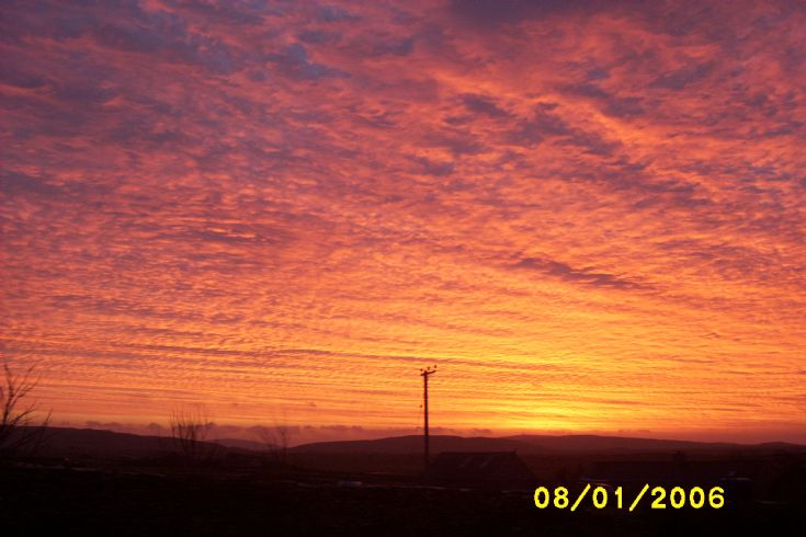 Sunrise in Harray,   no every day !