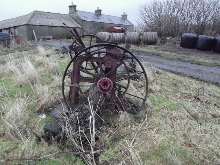 Machinery on the North Bigging Road