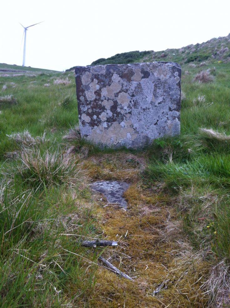 Grave near Loth