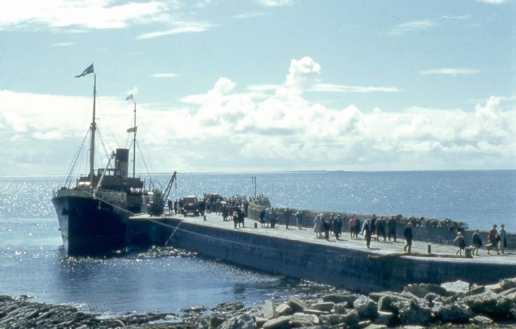 SS Earl Thorfinn at North Ronaldsay pier