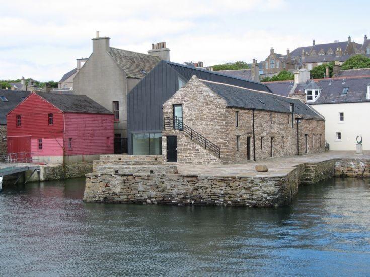 Pier Art Centre