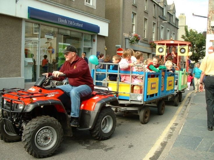 rotary train at St Magnus Fair 2003