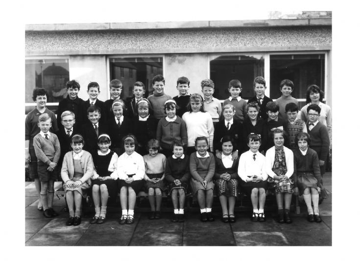 Kirkwall Primary School P5  1964