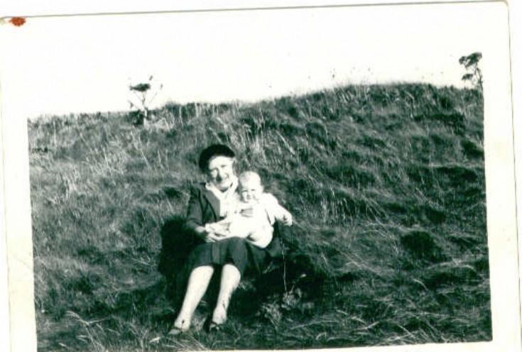 Babbie Caddel (nee Tulloch) & Marie Tulloch