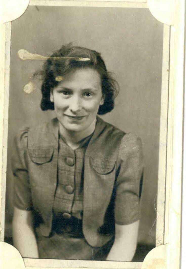 Lizzie Garson, (Holm?)