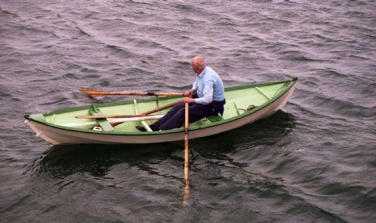 Mystery oarsman, mystery boat