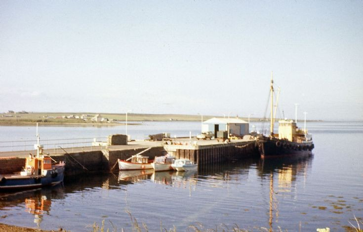 MV Hoy Head at Longhope Pier