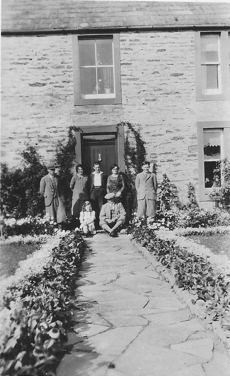 Spence family, Lochend, Stenness