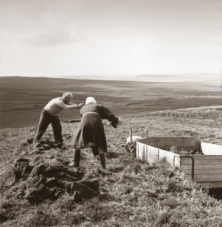 Carting peats in the Birsay hill