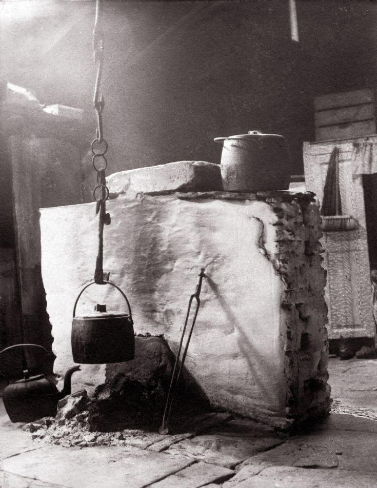 Tom Kent photograph inside Kirbuster