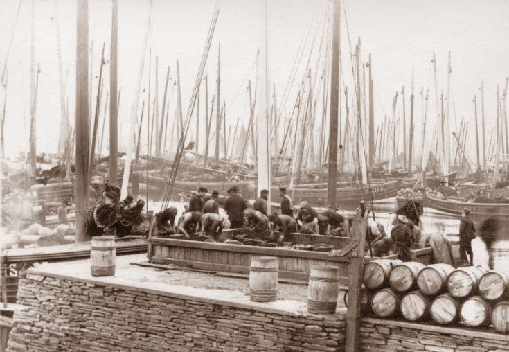 Stromness herring workers ca 1900