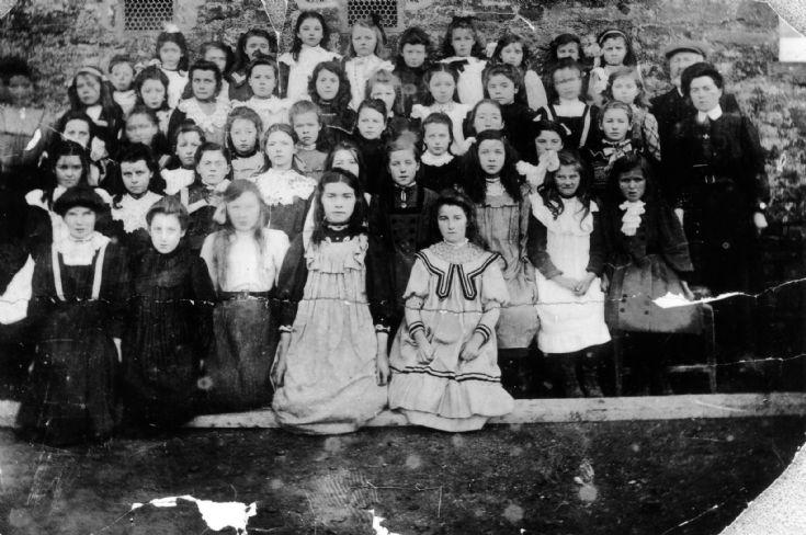 Deerness School - Girls Class of 1910