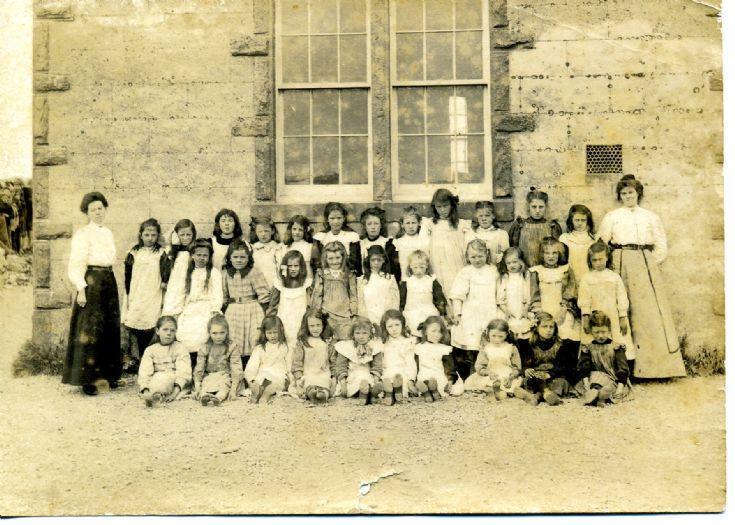 Deerness School -  Girls Class 1910's