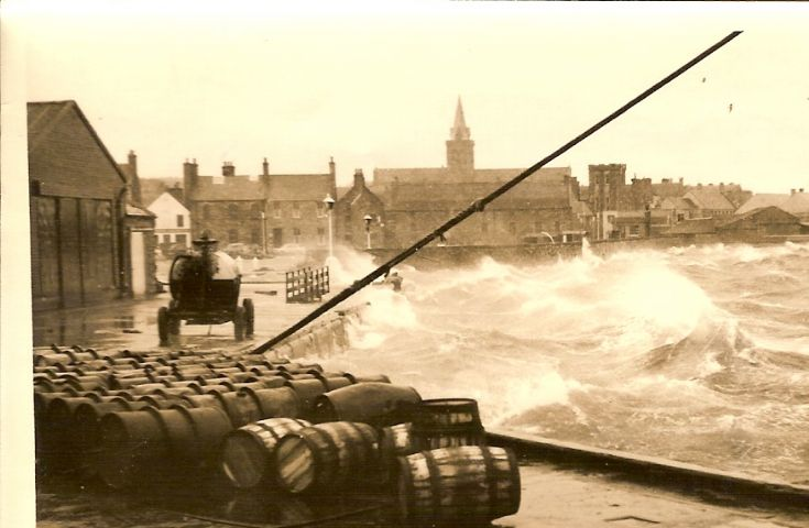 Kirkwall Pier- rough day